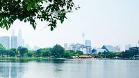 Taman Tasik Titiwangsa is equipped with stables, a boathouse, lakeside restaurant, mini stadium and more.