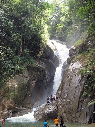 chiling-waterfall-chee-hong